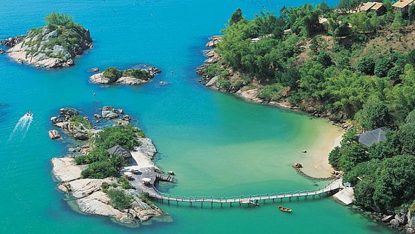 PONTA DOS GANCHOS: AN OASIS IN THE SOUTH OF BRASIL