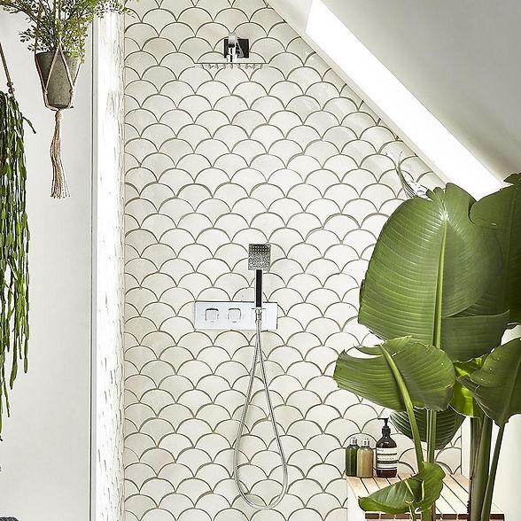 Veer-shower-system-lifestyle-SVSET82-wat