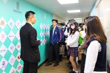 樹德家商廣告設計科領42位同學來訪交流專業商業模式
