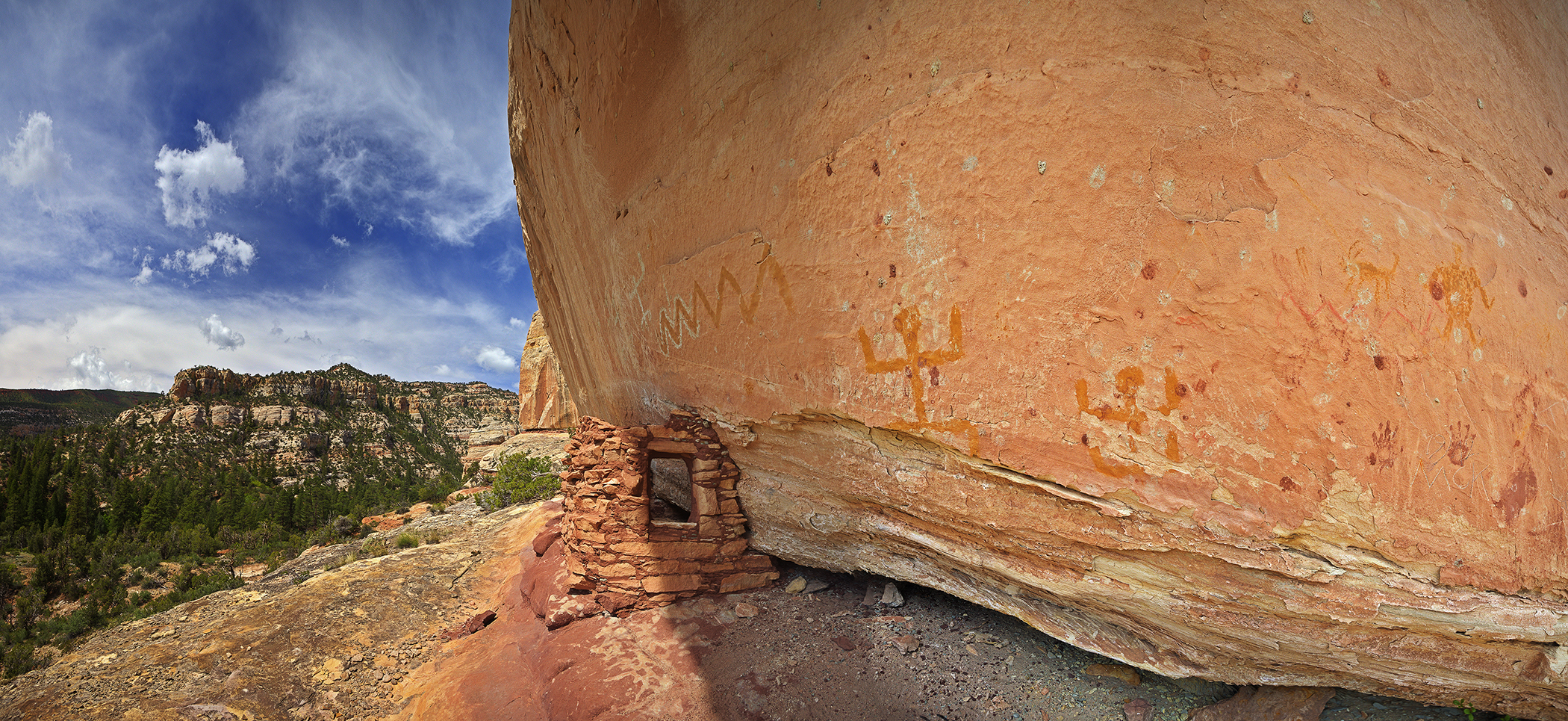 Bears Ears granary and rock art