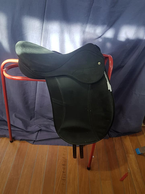 "18"" Eclipse Dressage Saddle"
