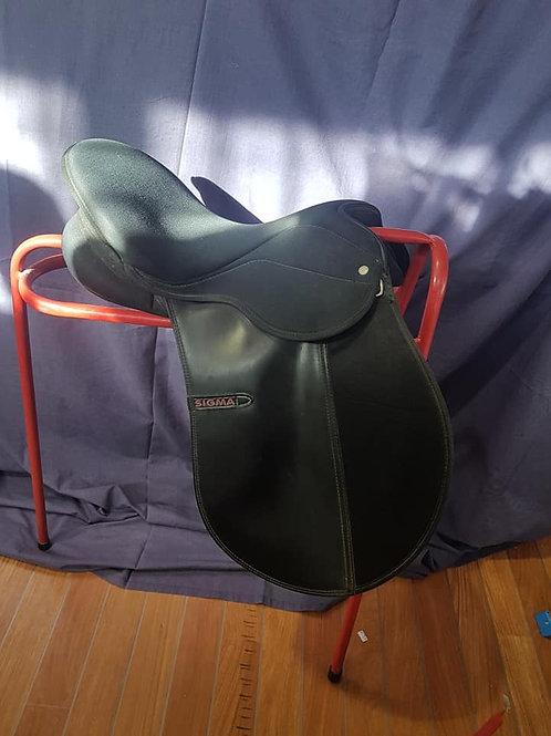 """17"""" Sigma GP Saddle"""
