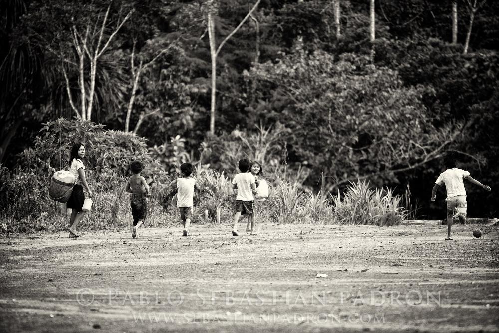 Niños Achuar 2- Ecuador