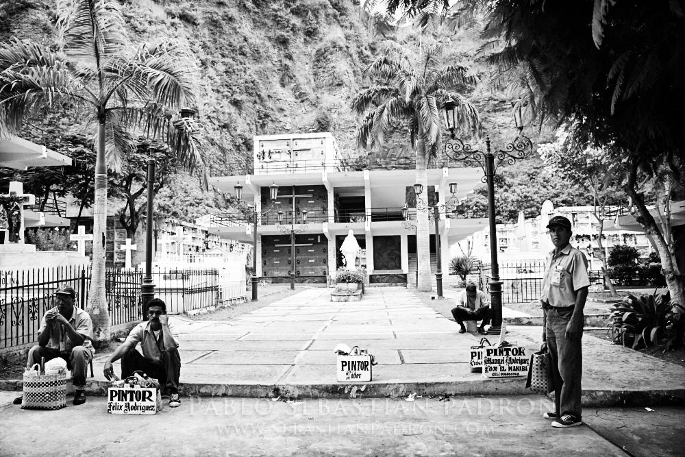 Pintores Cementerio - Ecuador