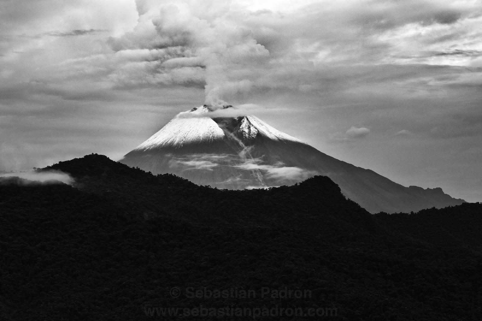 Volcan Sangay en Erupción 2020