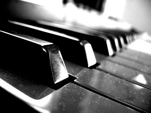 piano-keys-1532959.jpg