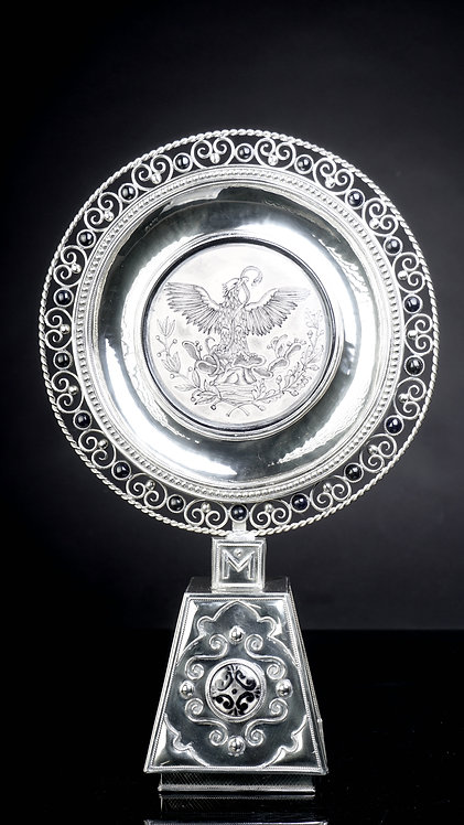 Medallón  águila con base gris