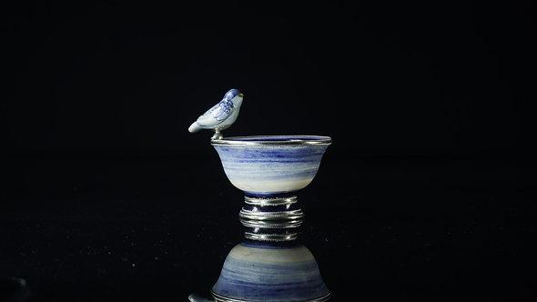 Fuente pájaro azul