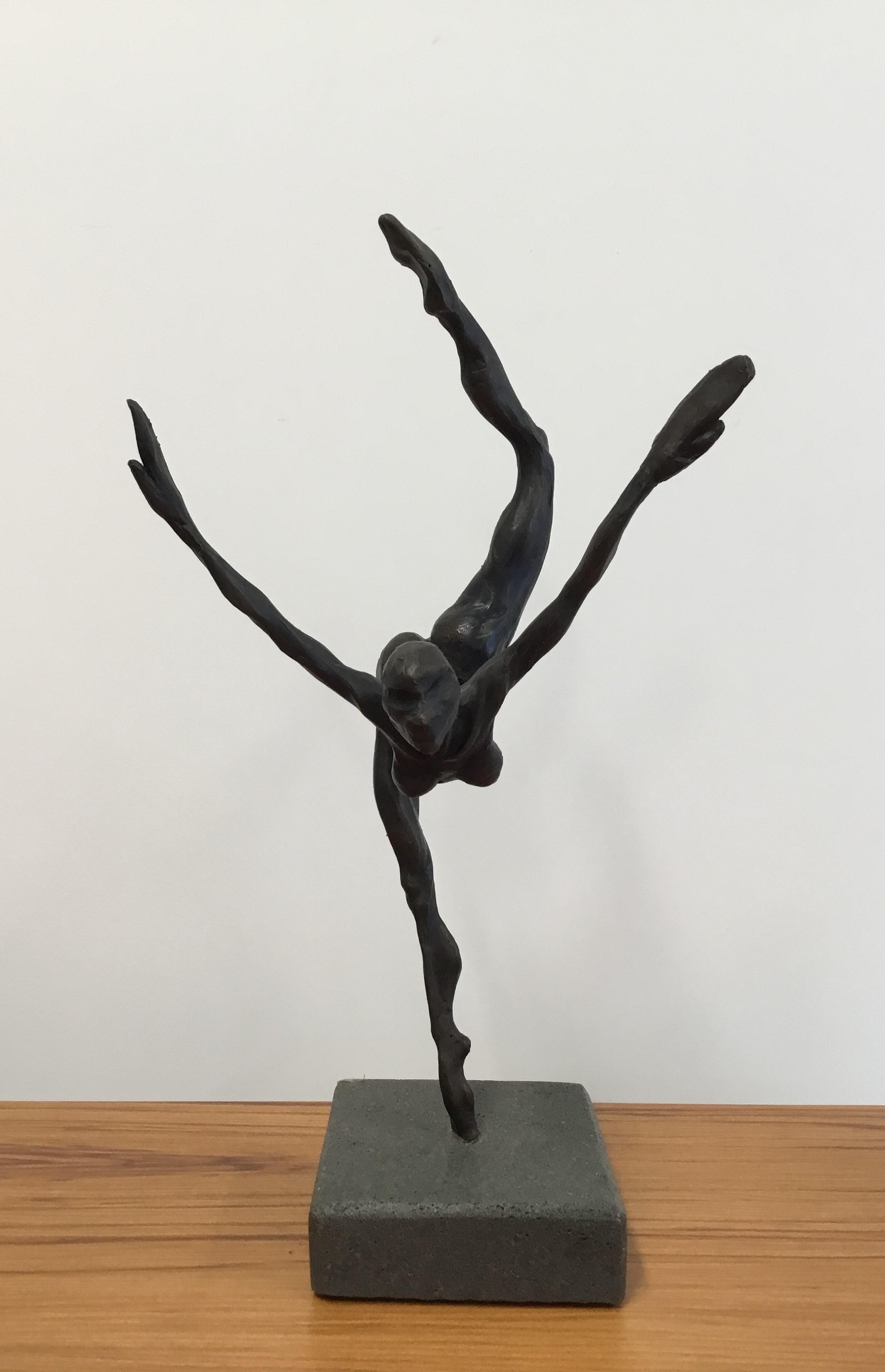 Solo Bronze On Bassalt