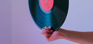 Hand%20holding%20the%20vinyl%20of%20Super%20Trouper%20by%20ABBA_edited.jpg