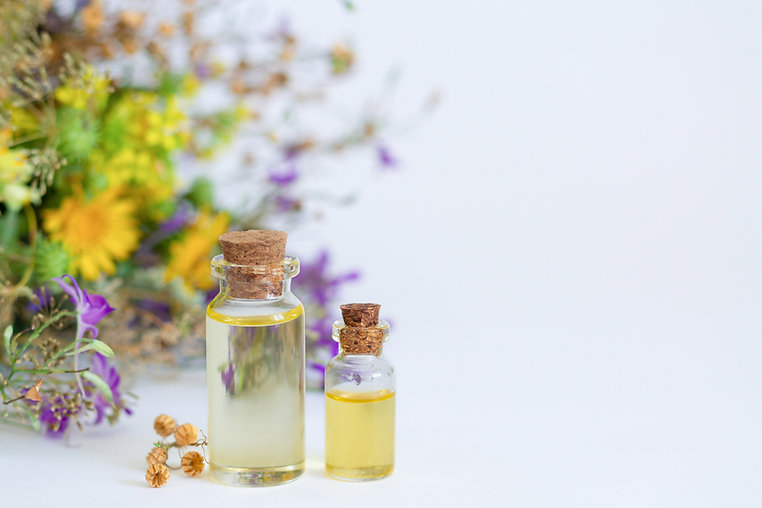 aromatherapy-essential-oil-bottles-with-