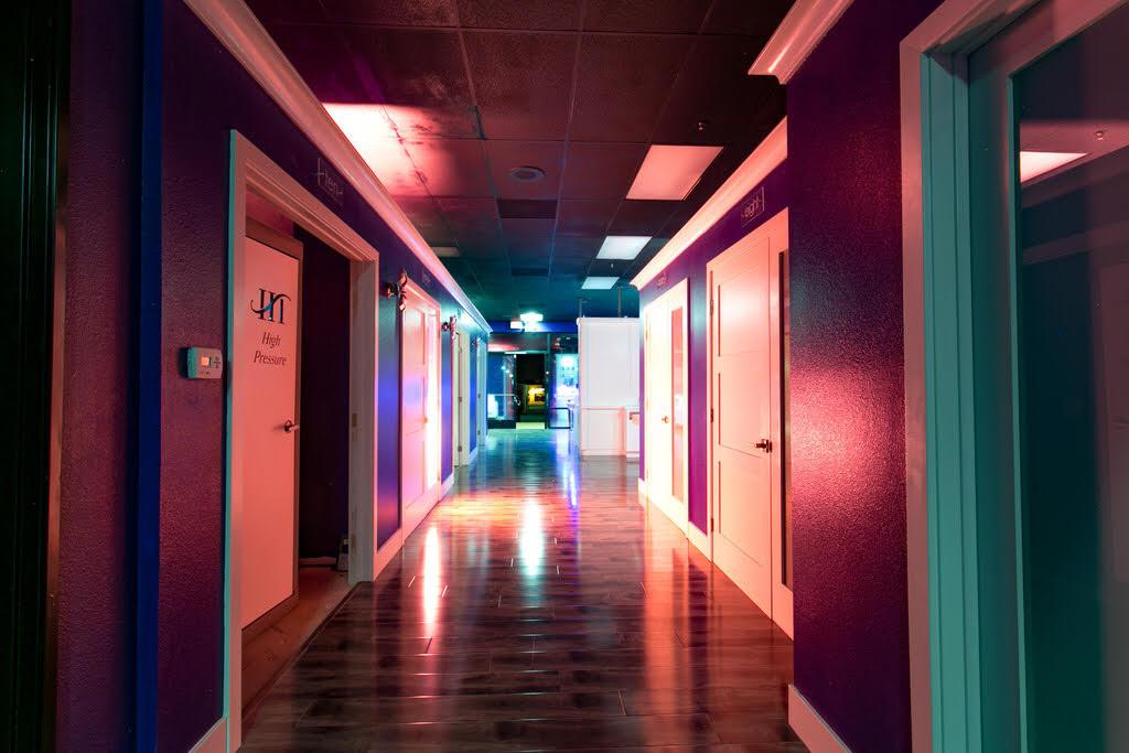 Interior 10.jpg
