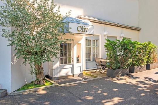Oliv Restaurant