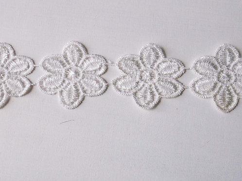 1M Vintage White Floral Lace Trim