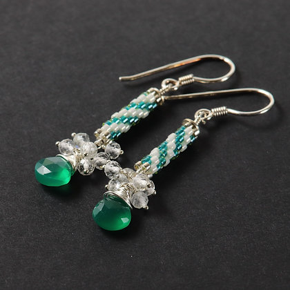 Delicate green earrings with agate, topaz, 925 silver and Miyuki beads