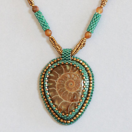 Collier avec ammonite