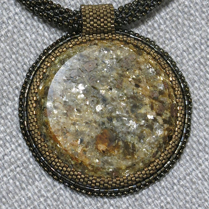 Necklace with micaschiste