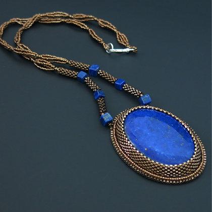 Collier avec lapis lazuli 1