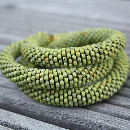 """Collier tubulaire crocheté """"Opaque Chartreuse"""", D1.1cm"""
