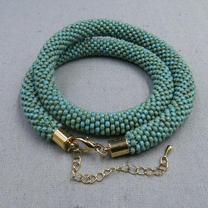 """Collier tubulaire crocheté """"Opaque Turquoise Picasso"""", D1.1cm"""