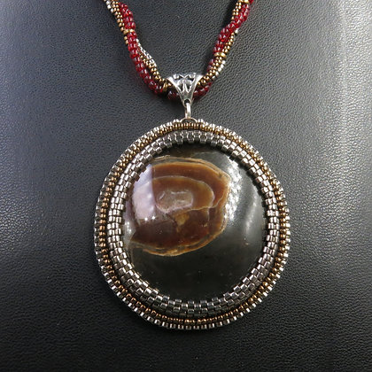Necklace with ammonite with ammolite