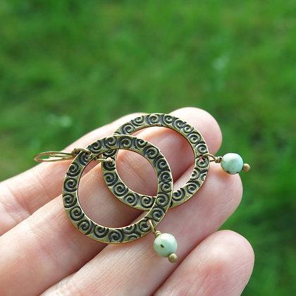 Boucles d'oreilles rustiques avec turquoise africaine