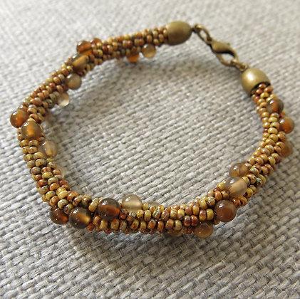 Bracelet en rocailles et perles d'agate, marron