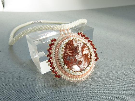 Collier avec agate de dentelle folle, fermoir en argent 925, blanc / rouge