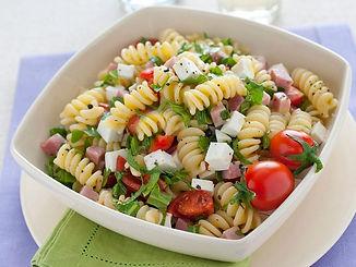 Pasta-fredda-in-insalata-ricetta-830x625