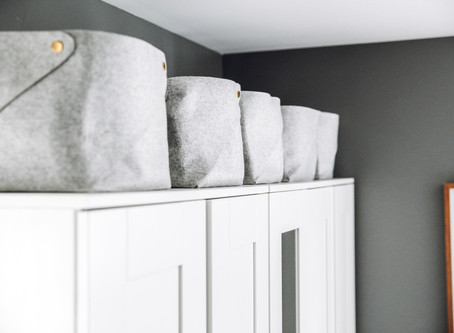 5 WAYS TO HIDE THE CLUTTER