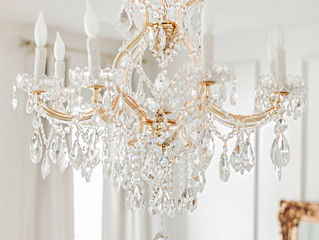 A Guide to Chandelier Crystals