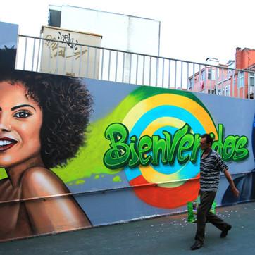 """Bienvenidos"" Graffiti at Algés Train Station, Artwork by Nomen"