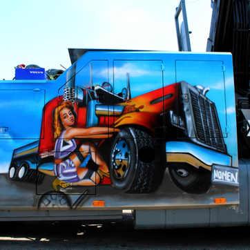 Graffiti em reboque de pesados