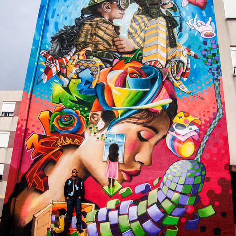 """A world of Dreams"" - Colective art mural by Nomen versus Brasilian artists ""Utopia"" and ""Vespa"", Sacavém. Lisboa, 2014"