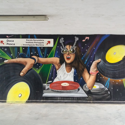 Tribute to the DJ´s made by Nomen in Algés Train Station, Lisbon 2017