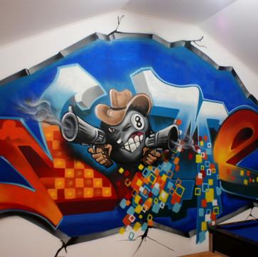 Graffiti in Games Room - Loures - Artwork by Nomen