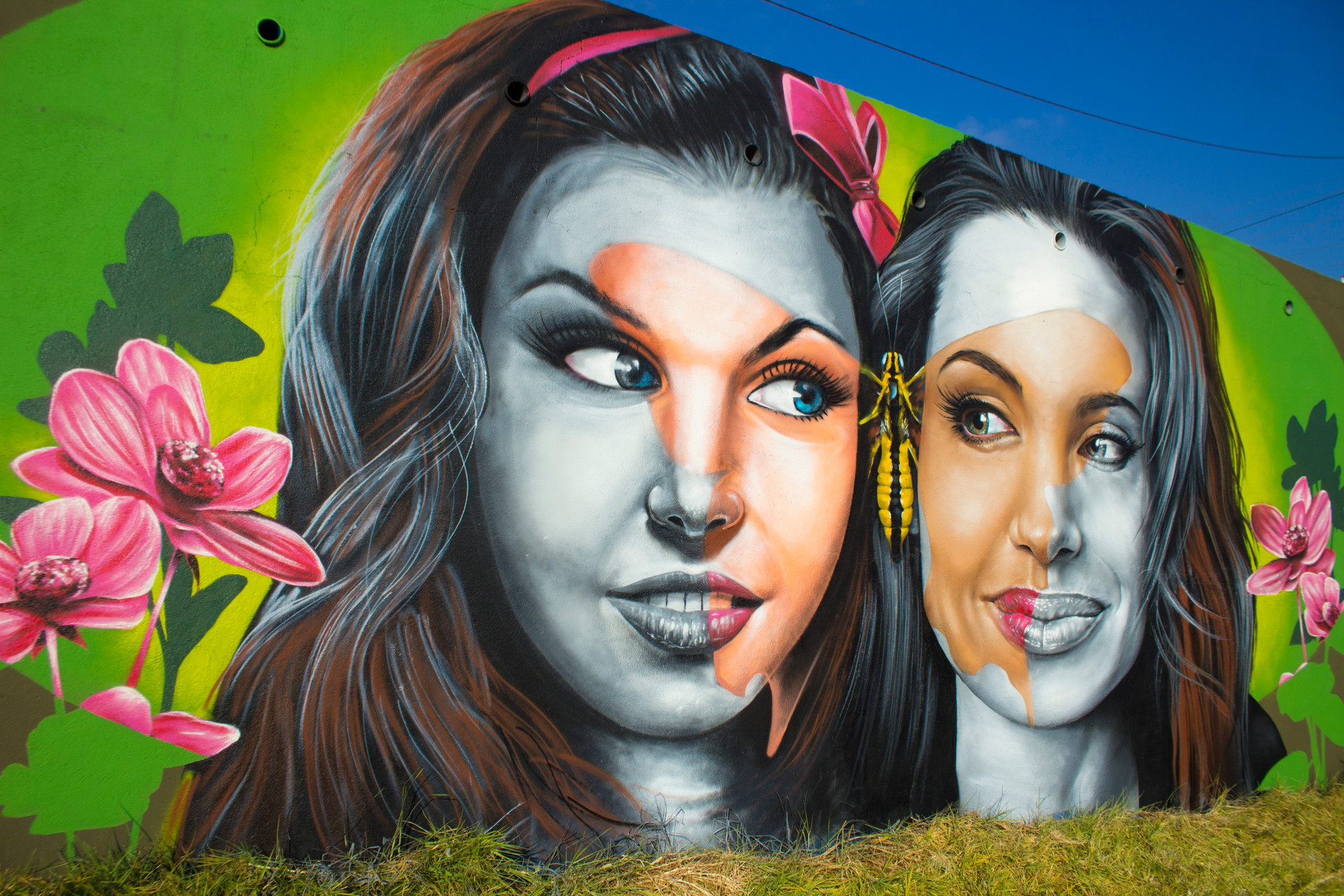 Graffiti by Nomen and Styler