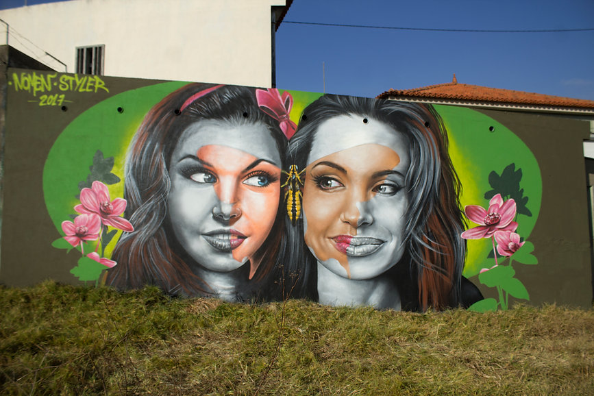 Artists Nomen andStyler painted together a mural in Carcavelos