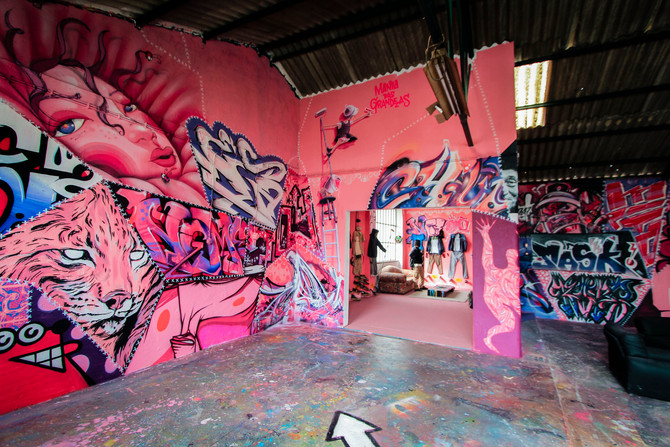 Street Art Tour Experience In Carcavelos & Meet the Double Trouble Studio (EN/PT)