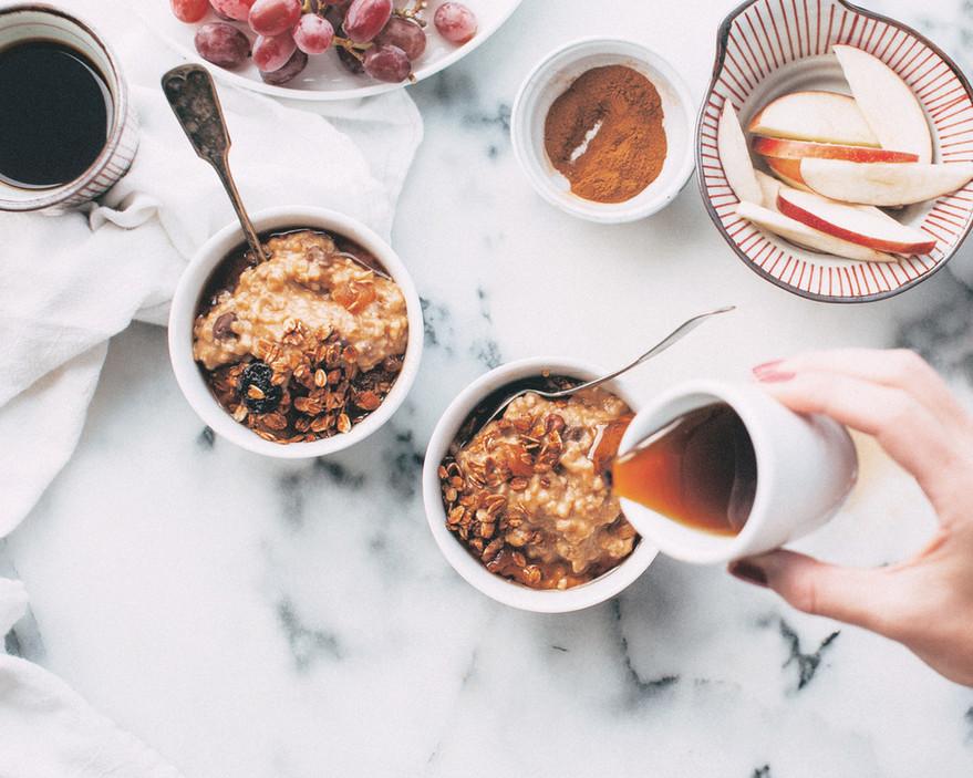 Fruits et flocons d'avoine Petit déjeuner