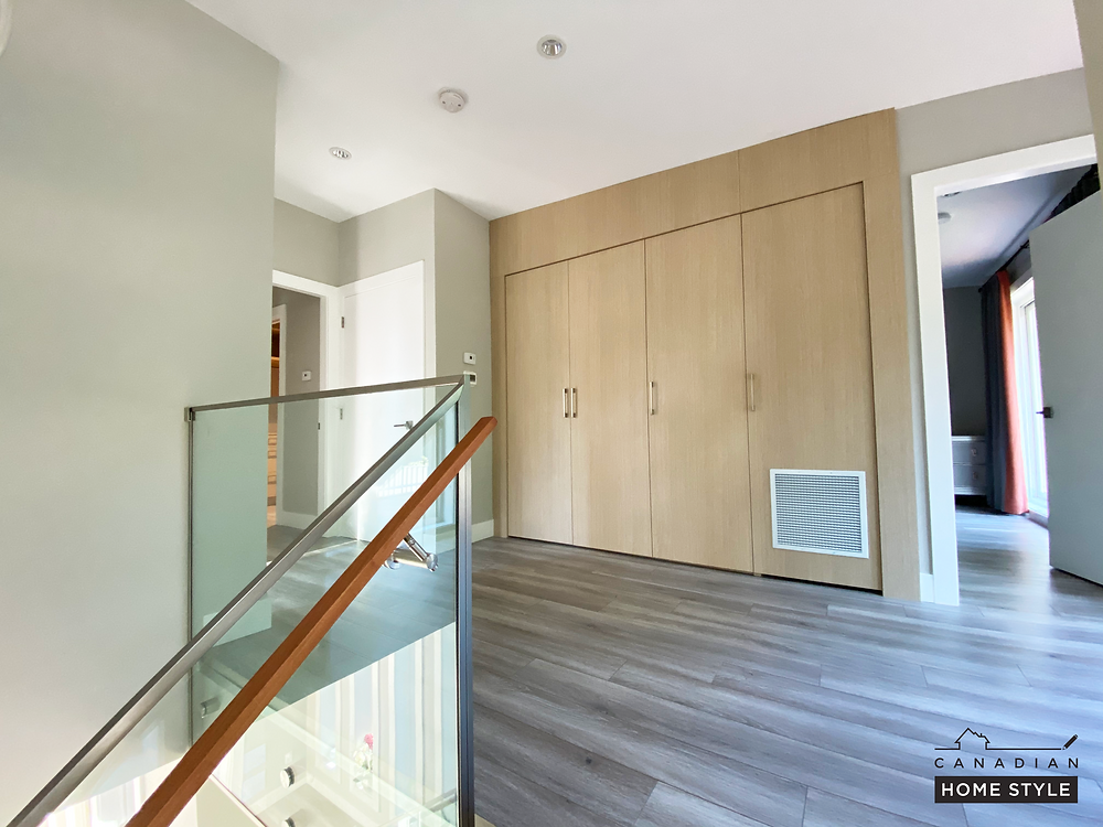Vancouver flooring services: quality laminate flooring supply and installation offered by Canadian Home Style in North Vancouver. They are the highest-rated flooring company in the Lower Mainland.