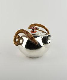 (1919) 小圓壺-籐編捲角紅瑪瑙鈕