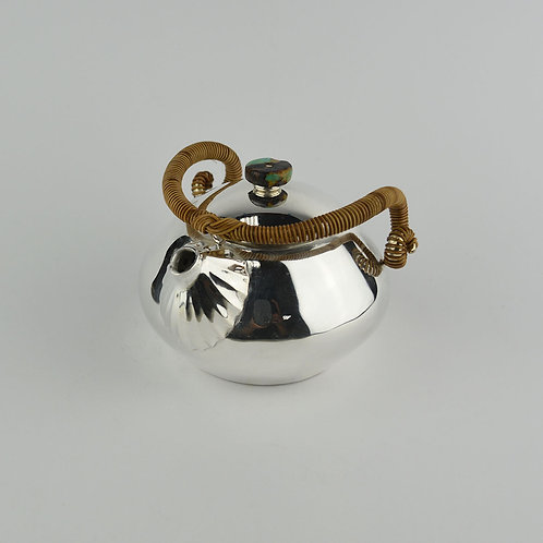 (1913) 小圓壺-籐編捲角小羊壺