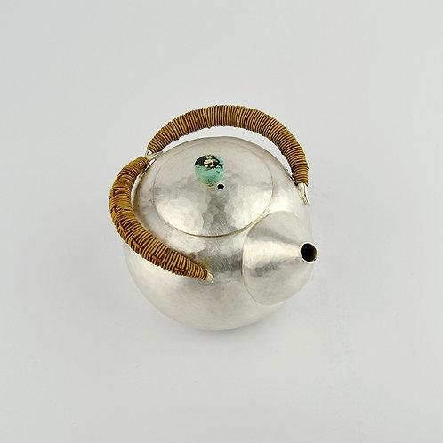 (1909) 小圓壺-籐編圈把綠松鈕