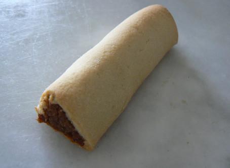 CLÉOPÂTRE - Pâte de Datte aux Épices enrobée d'un biscuit à l'Eau de Rose