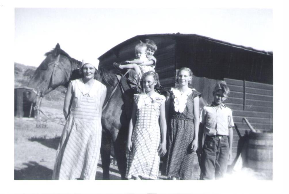 Ethel & Lester Cox's kids.jpg