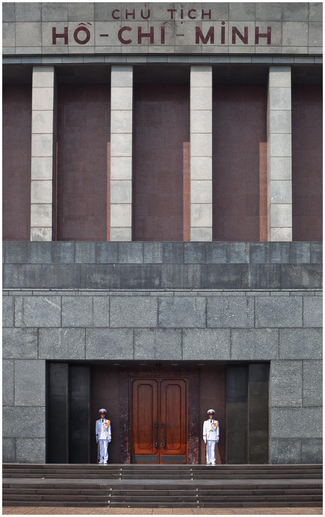 Mausoleum-w