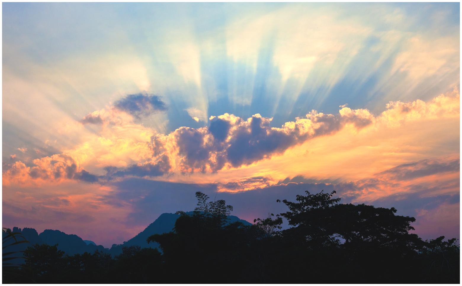 Vang-Vieng-sunset-w
