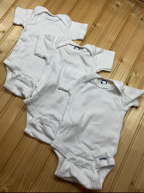 Size 0-3m GERBER 3 White Onesies