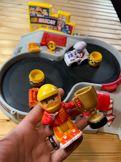 FISHER PRICE Little People NASCAR Spin n Speed Toy